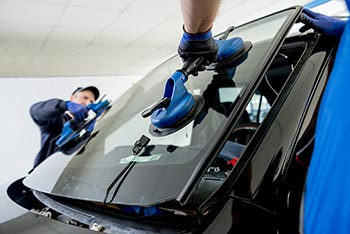 Low Cost Auto Insurance >> Glendale Auto Glass Repair - FREE Chip Repairs a $300 ...